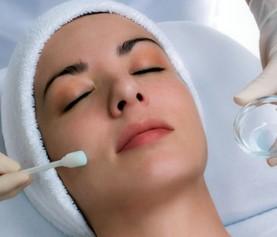 Почистване на лице + гликолов пилинг