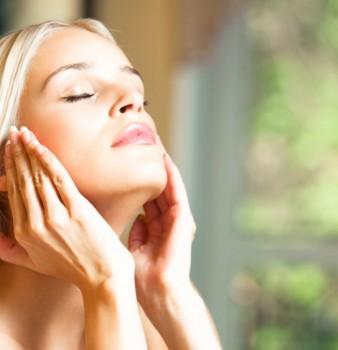 Йога за лице – затегнете кожата си и забравете за бръчките